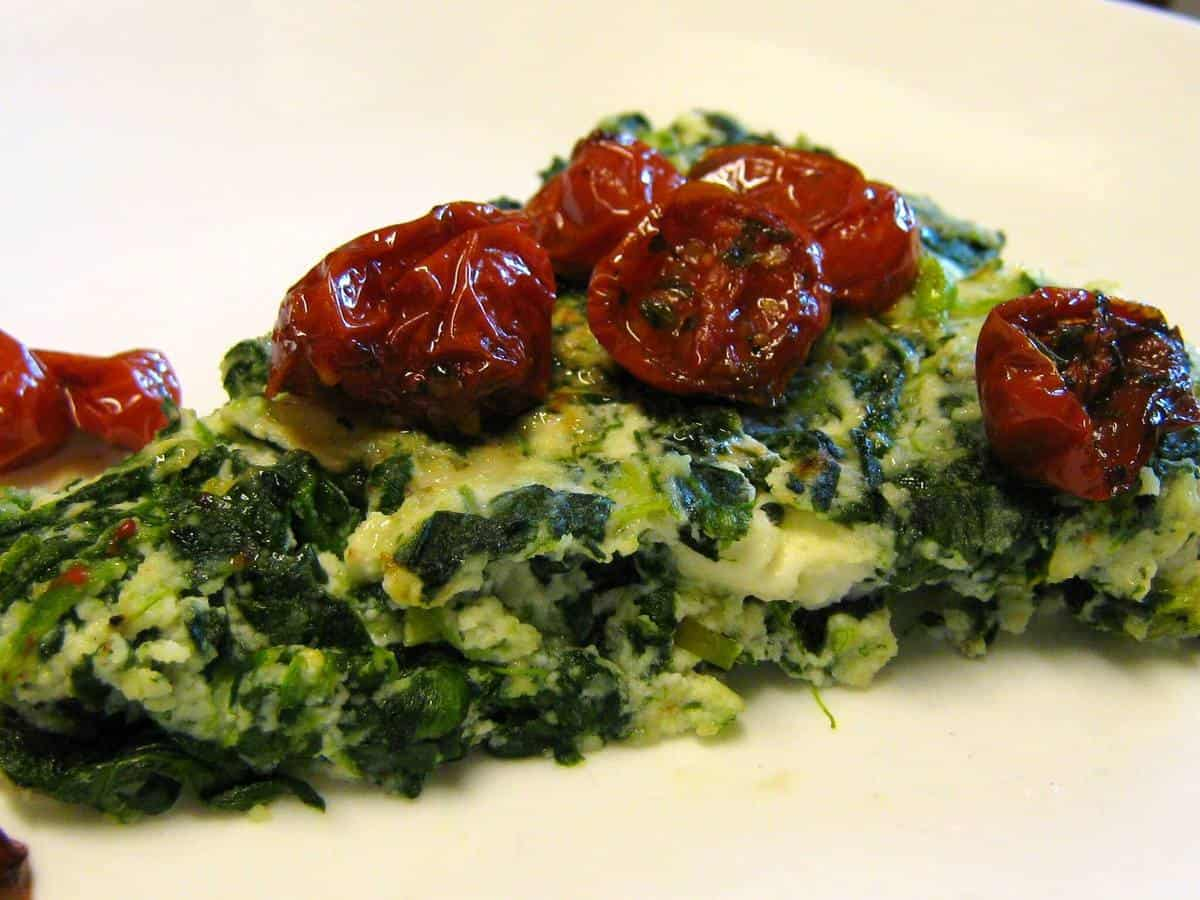 Low Carb Spinach Pie with Roasted Tomatoes