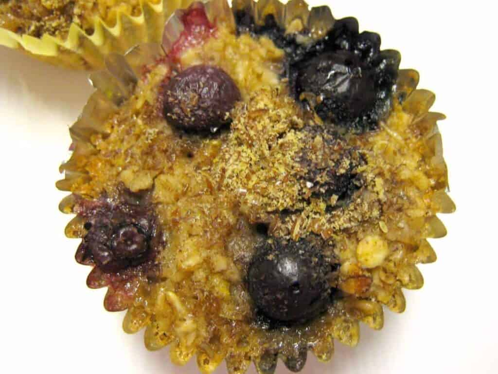 Flax and Berry Oat Cakes