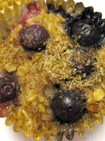 flax and berry muffins